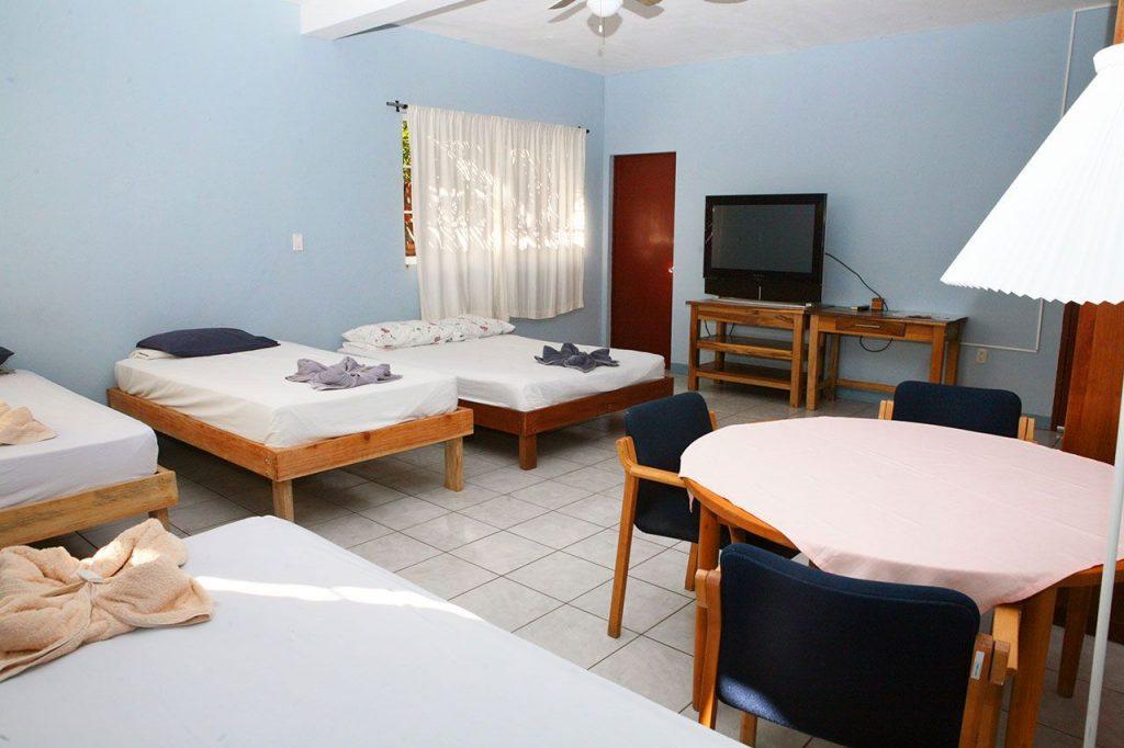 hotel-valerie-cuadruple-2