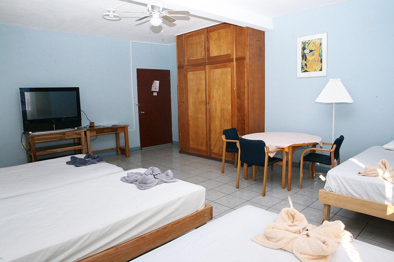 Habitaci n cu druple hotel valerie for Habitacion cuadruple